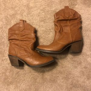 Xappeal Ankle Boots size 9, tan
